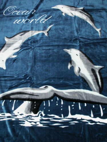kuscheldecke mit motiv delphin modell i natur fell shop. Black Bedroom Furniture Sets. Home Design Ideas