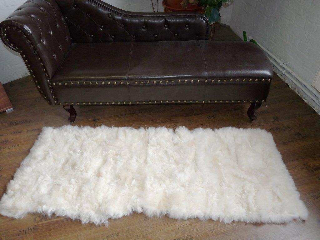 fellteppich l ufer im patchwork design weiss natur fell shop. Black Bedroom Furniture Sets. Home Design Ideas